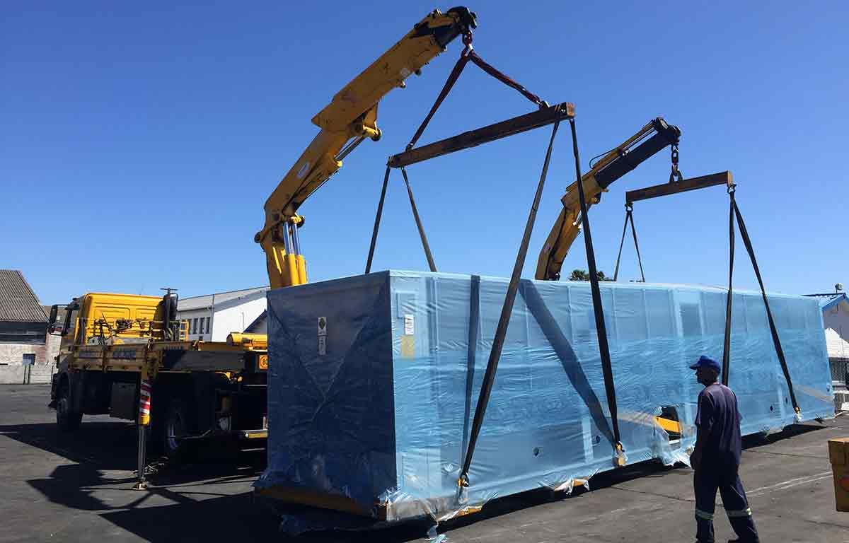 Rigwell moves heavey equipment